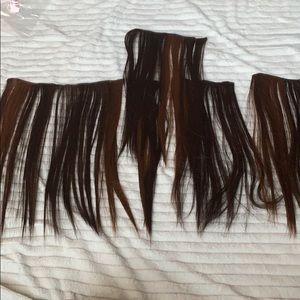5 piece brown with highlights extensions.